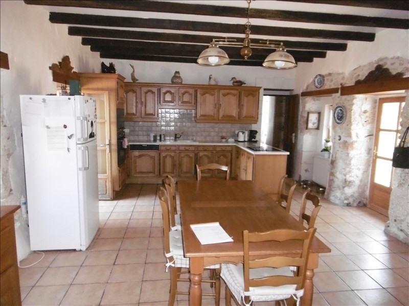 Sale house / villa Eglise neuve d issac 394000€ - Picture 3