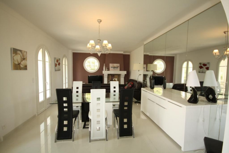 Deluxe sale house / villa Antibes 1 190 000€ - Picture 2