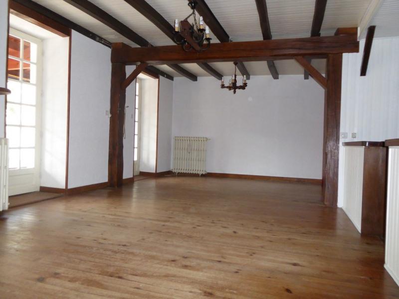 Vente maison / villa Burie 117480€ - Photo 16