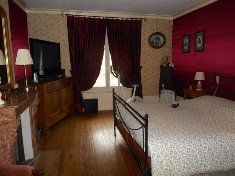 Sale house / villa Crevecoeur le grand 229000€ - Picture 8