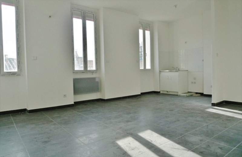 Sale apartment Marseille 4ème 109 000€ - Picture 2