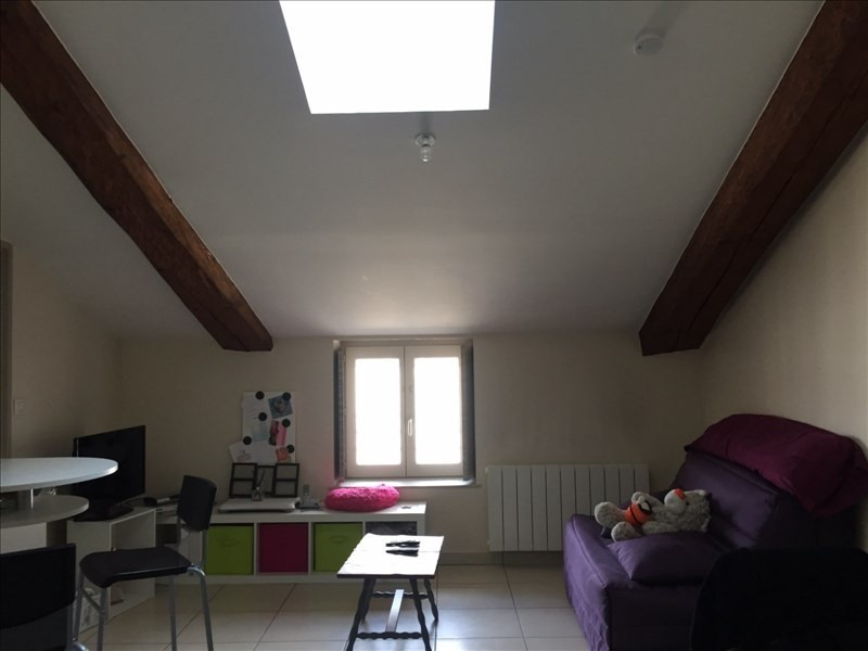 Location appartement Ste colombe 354€ CC - Photo 1