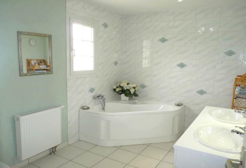 Deluxe sale house / villa Reignier 559000€ - Picture 12