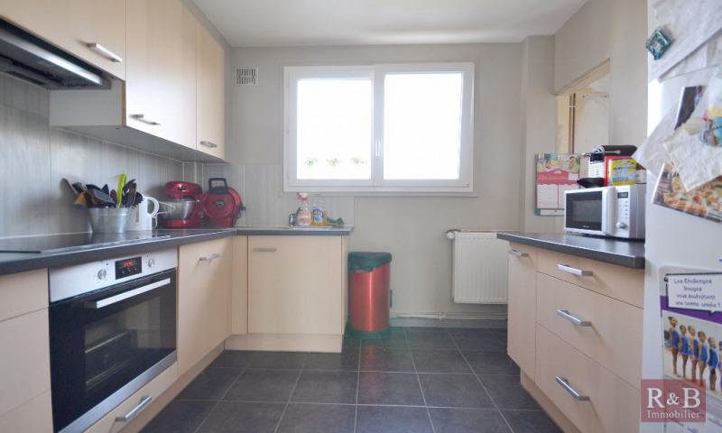 Sale apartment Les clayes sous bois 183000€ - Picture 3