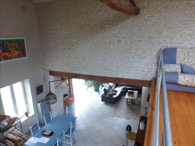 Deluxe sale house / villa Genouille 305000€ - Picture 1