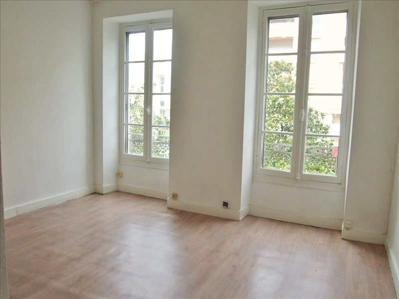 Rental apartment Pau 315€ CC - Picture 1