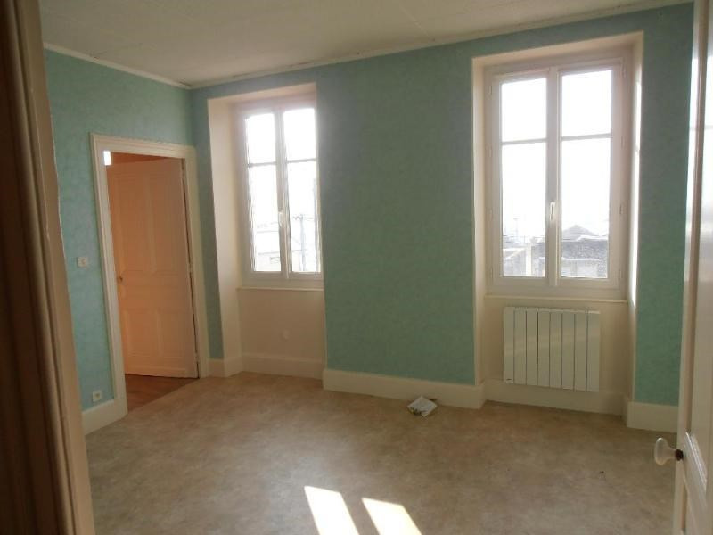 Location appartement Izenave 390€ +CH - Photo 1