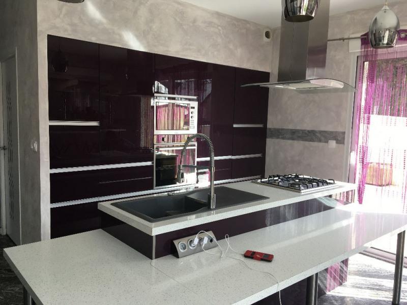 Sale house / villa Laval 422340€ - Picture 3