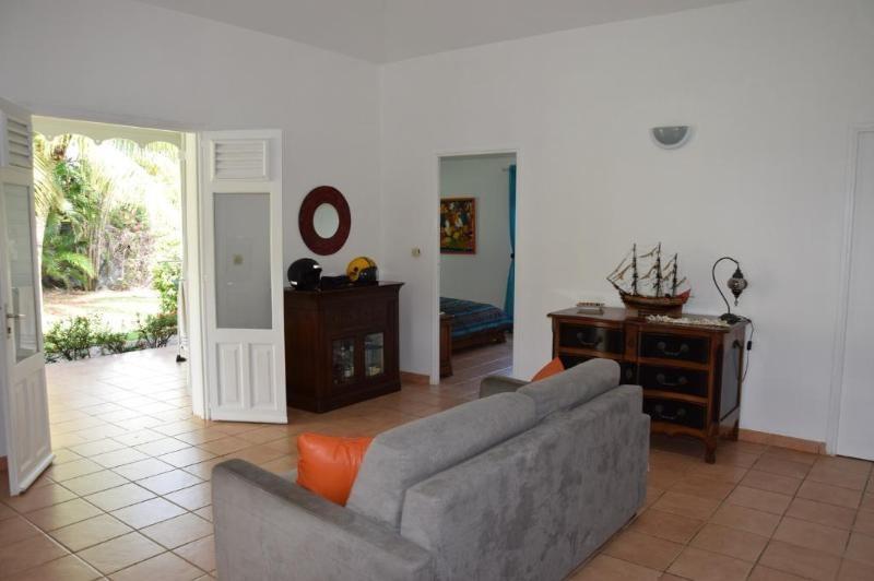 Sale house / villa Le françois 349000€ - Picture 5