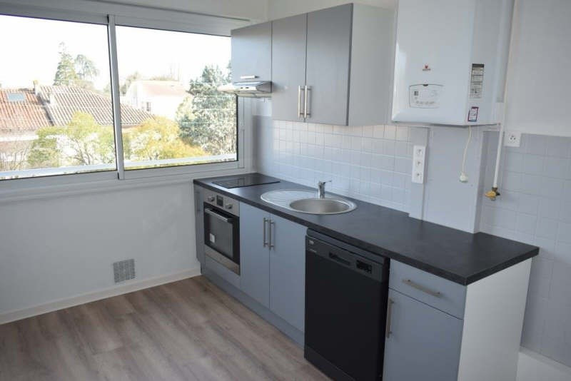 Sale apartment Talence 159800€ - Picture 2