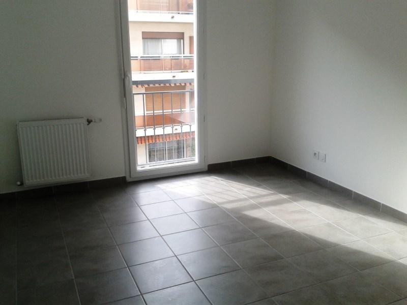 Verhuren  appartement Toulon 607€ CC - Foto 3