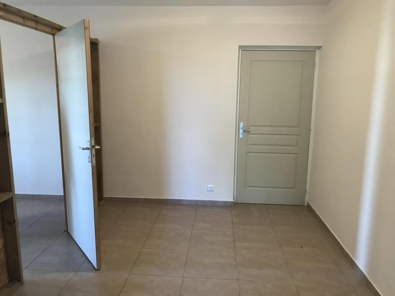 Location local commercial L etang sale 549€ HT/HC - Photo 2