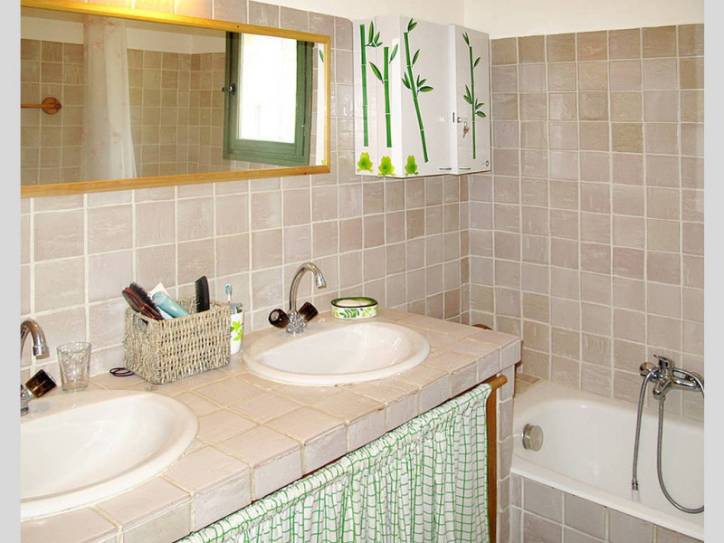 Vente maison / villa Bagnols-en-forêt 590000€ - Photo 12