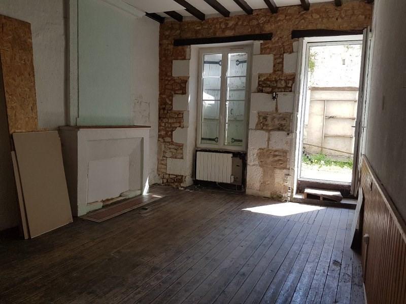 Sale house / villa Mirambeau 75000€ - Picture 1