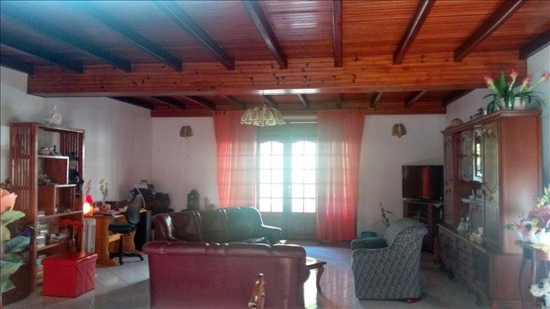 Sale house / villa St claude 337 600€ - Picture 9