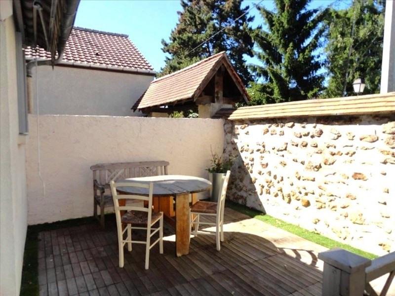 Sale house / villa Feucherolles 265000€ - Picture 1