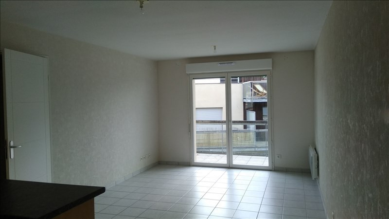 Rental apartment Vendome 574€ CC - Picture 2
