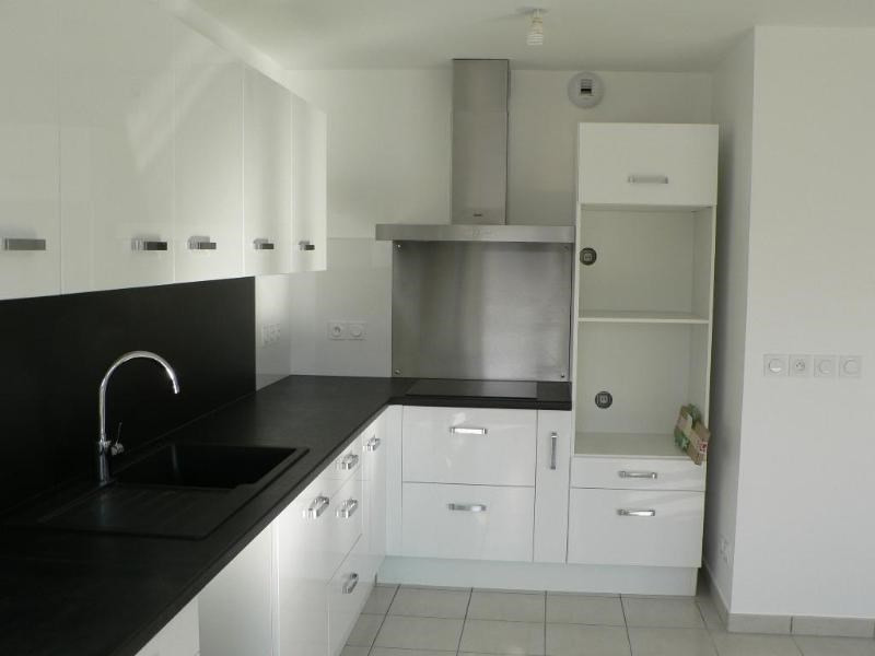Location appartement Reignier-esery 1060€ CC - Photo 2