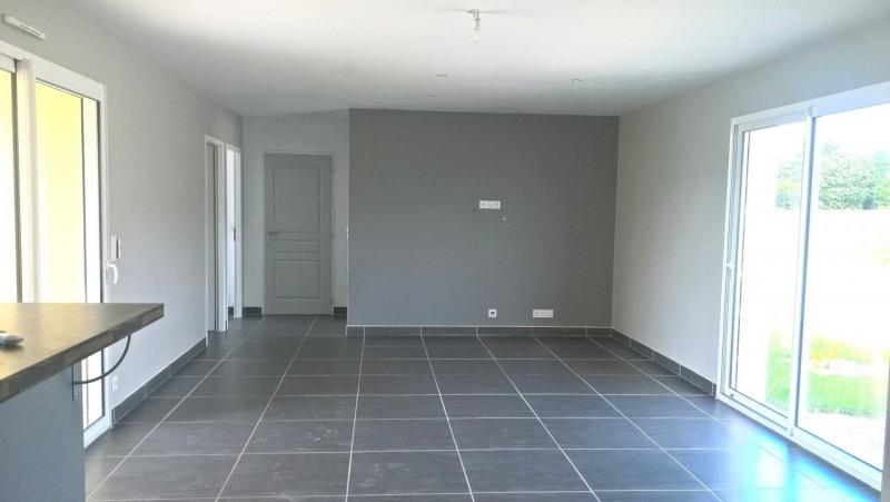 Rental house / villa Écoyeux 580€ CC - Picture 2