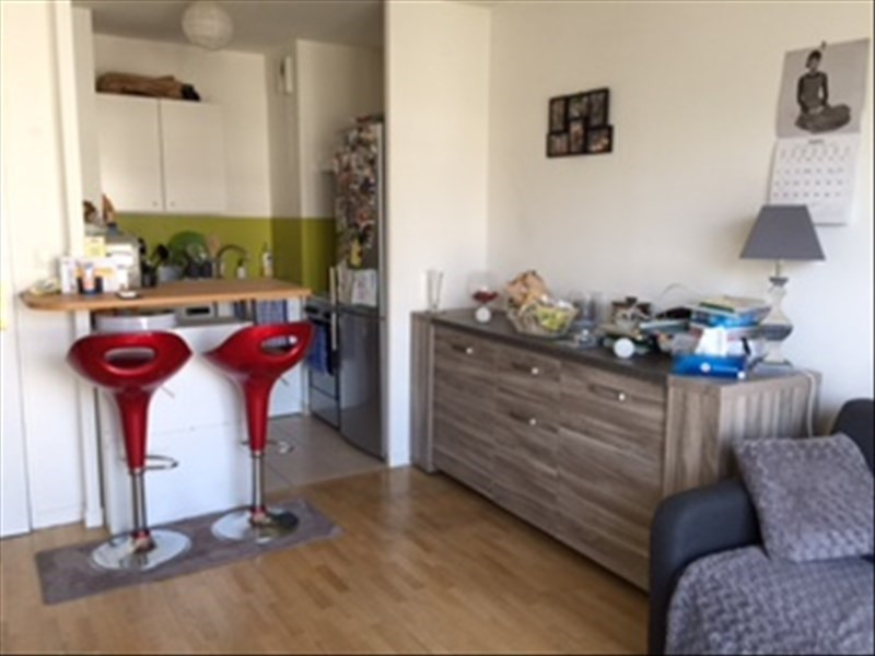 Location appartement Carrieres sous poissy 778€ CC - Photo 1