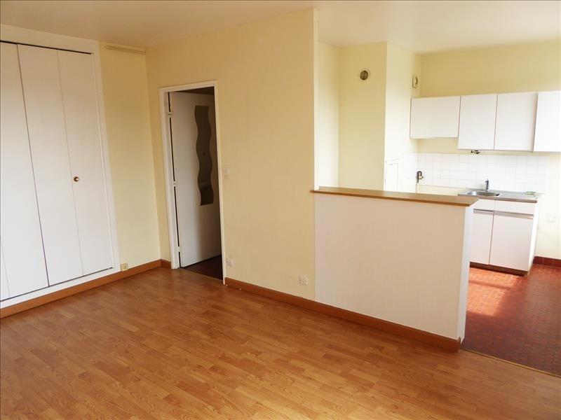 Rental apartment Maurepas 650€ CC - Picture 1