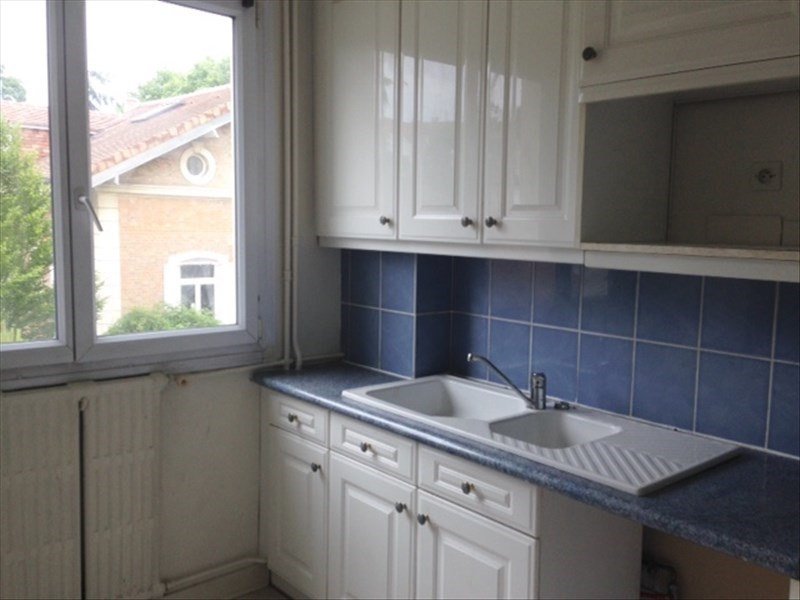 Sale apartment Rueil malmaison 300000€ - Picture 1