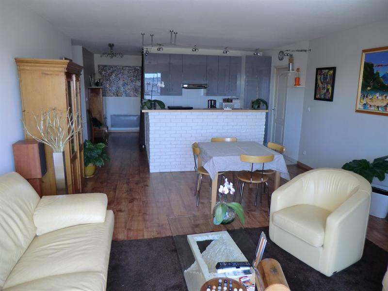Sale apartment Toulon 230 000€ - Picture 1