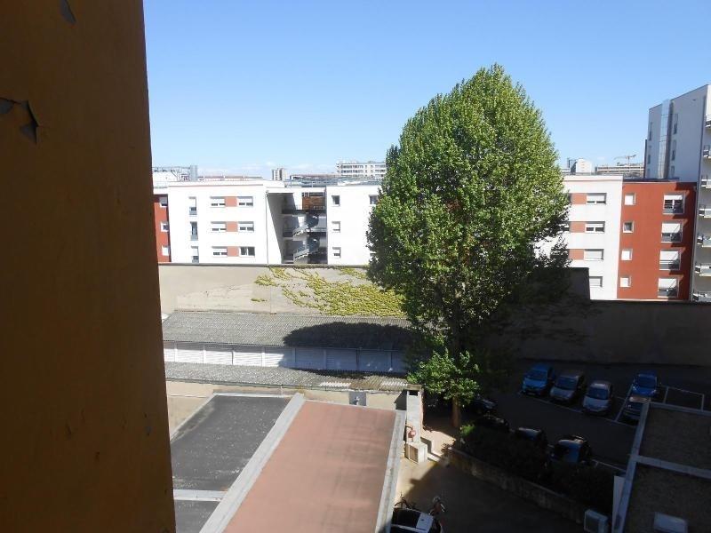 Location appartement Lyon 8ème 435€ CC - Photo 2