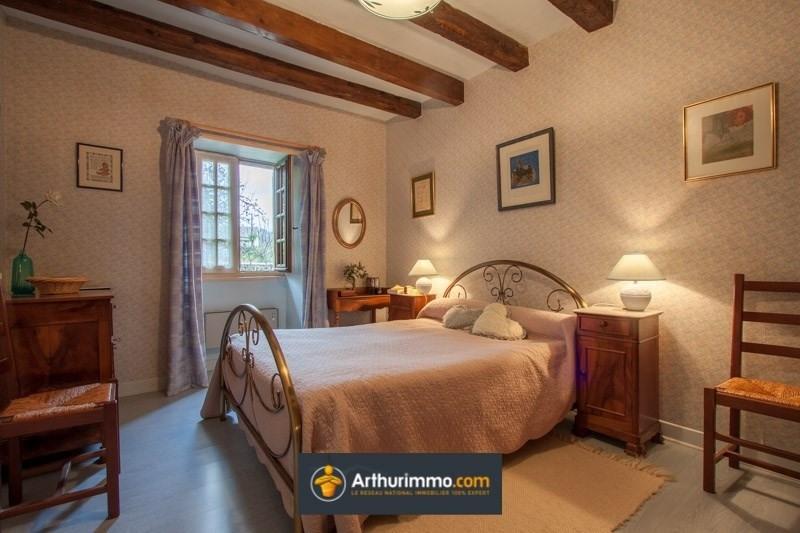 Sale house / villa Morestel 210000€ - Picture 4