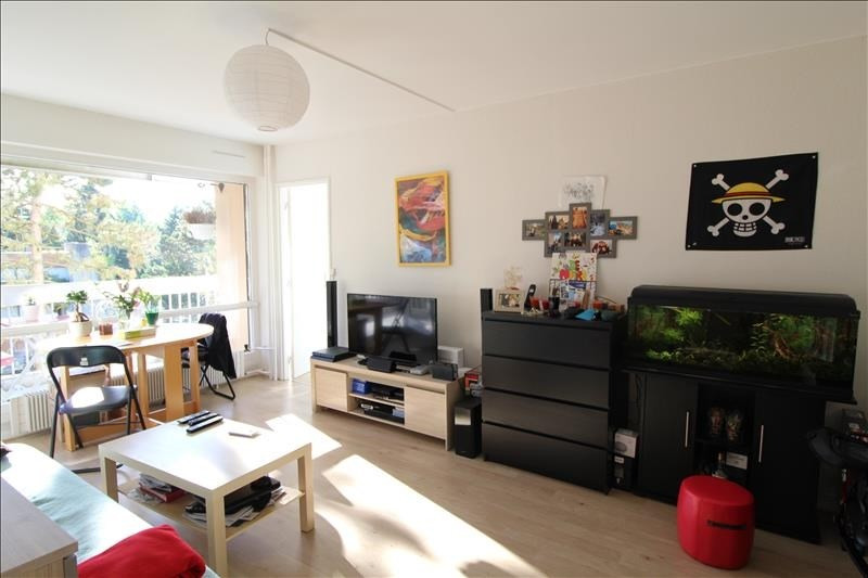 Location appartement Elancourt 813€ CC - Photo 1