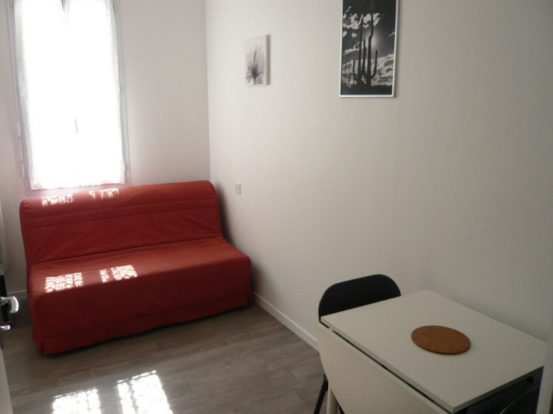 Rental apartment Laval 190€ CC - Picture 2