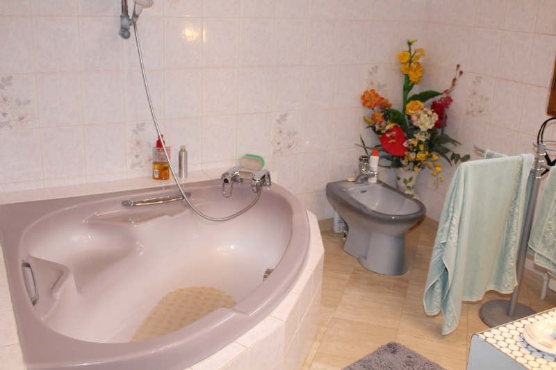 Sale house / villa Lamorlaye 550000€ - Picture 10