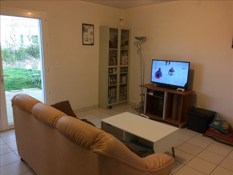 Location maison / villa La roche sur yon 610€ CC - Photo 2