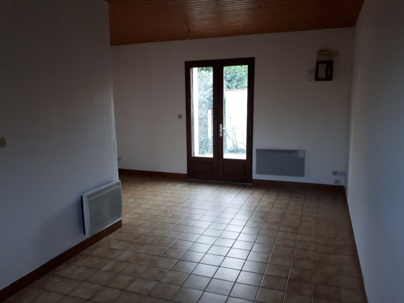 Location maison / villa La brède 590€ CC - Photo 6