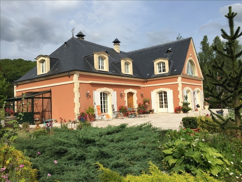 Deluxe sale house / villa Chambly 590 000€ - Picture 1