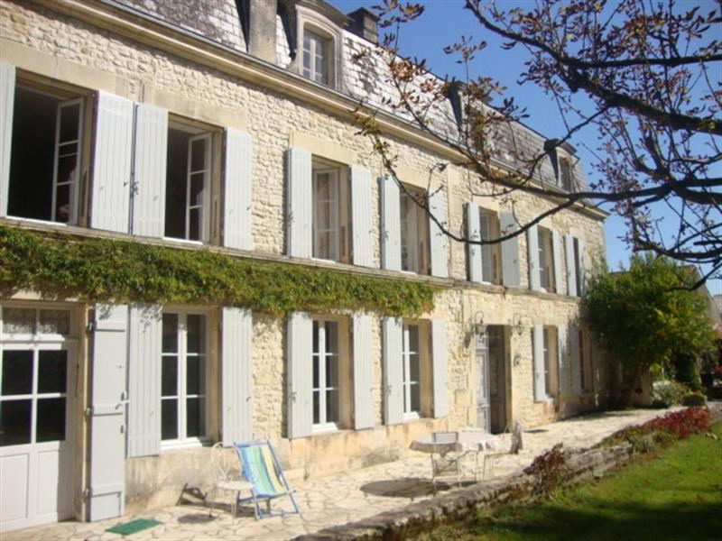 Sale house / villa Saint-jean-d'angély 399 000€ - Picture 5