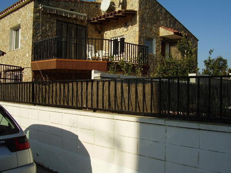 Sale house / villa Roses 320000€ - Picture 3