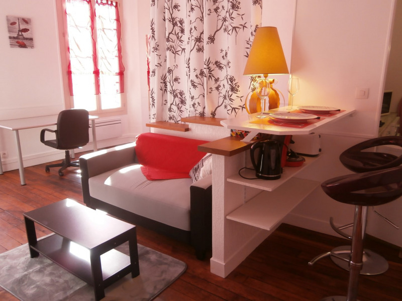 Rental apartment Fontainebleau 890€ CC - Picture 1