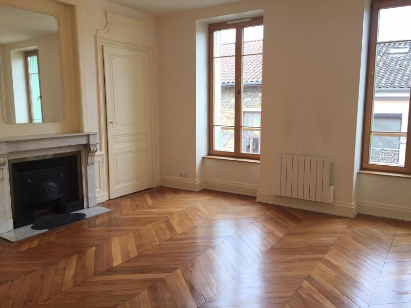 Location appartement Villefranche sur saone 585,17€ CC - Photo 1