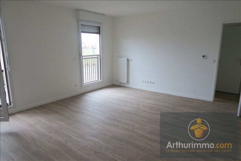 Rental apartment Vert st denis 693€ CC - Picture 2