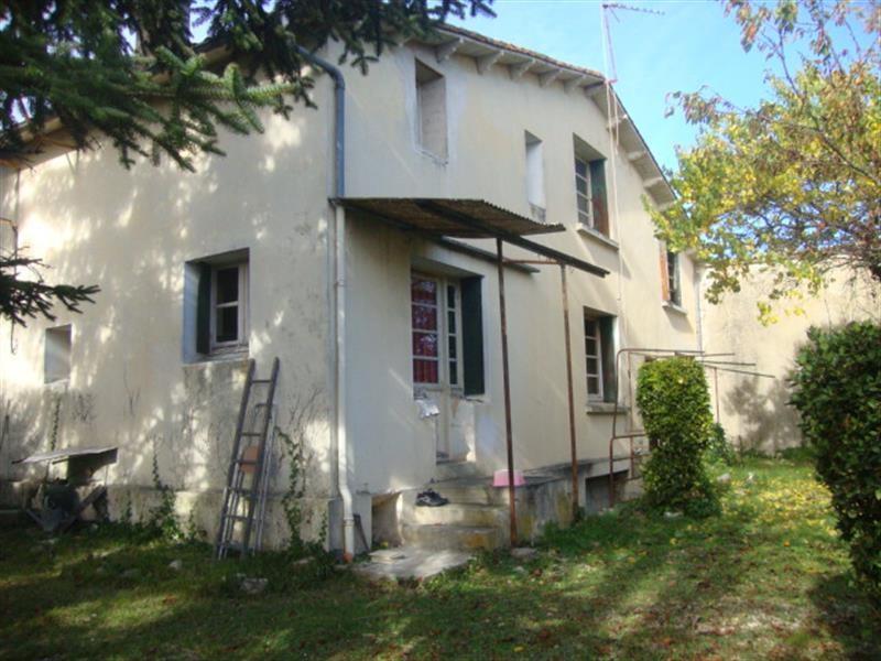 Sale house / villa Saint-jean-d'angély 64500€ - Picture 6