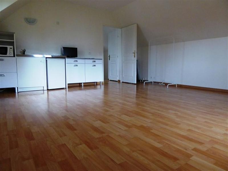 Rental apartment Maurepas 615€ CC - Picture 2