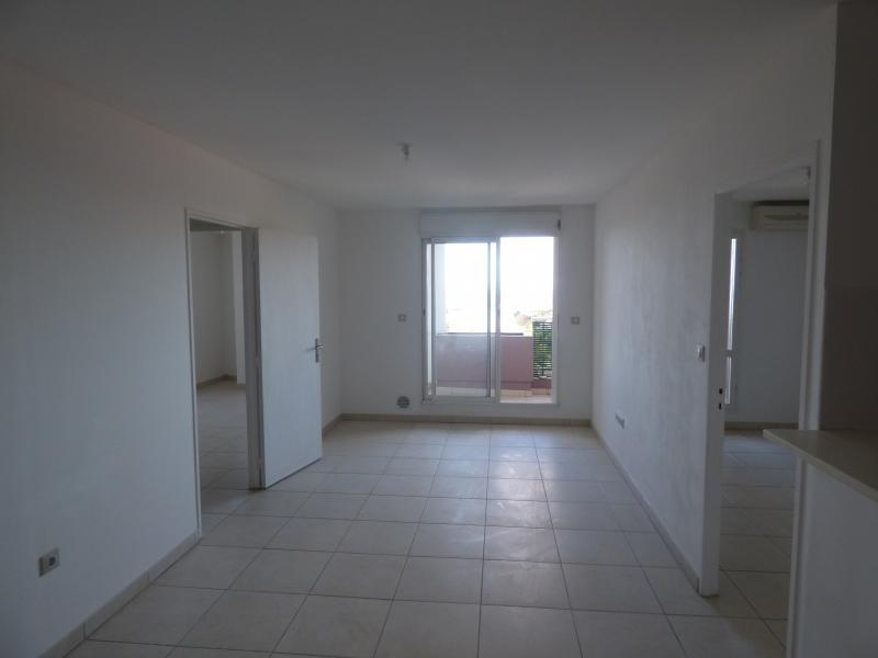 Sale apartment St denis 105000€ - Picture 3