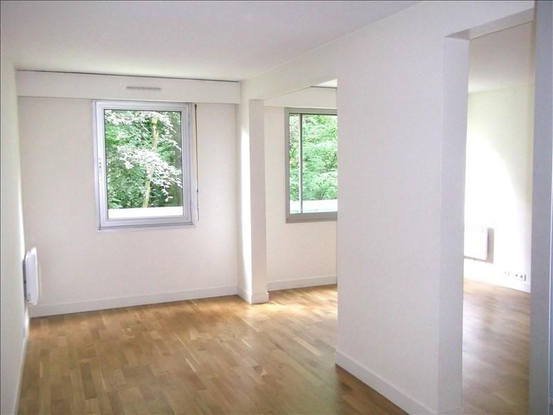 Rental apartment Garches 870€ CC - Picture 2