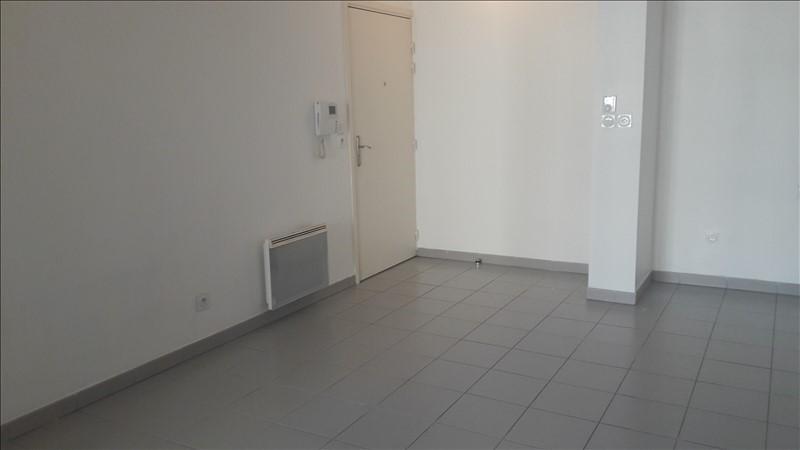 Rental apartment Marseille 10ème 660€ CC - Picture 2