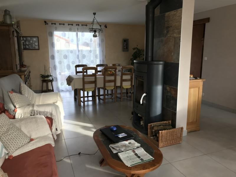 Sale house / villa La chapelle du genet 174 700€ - Picture 3