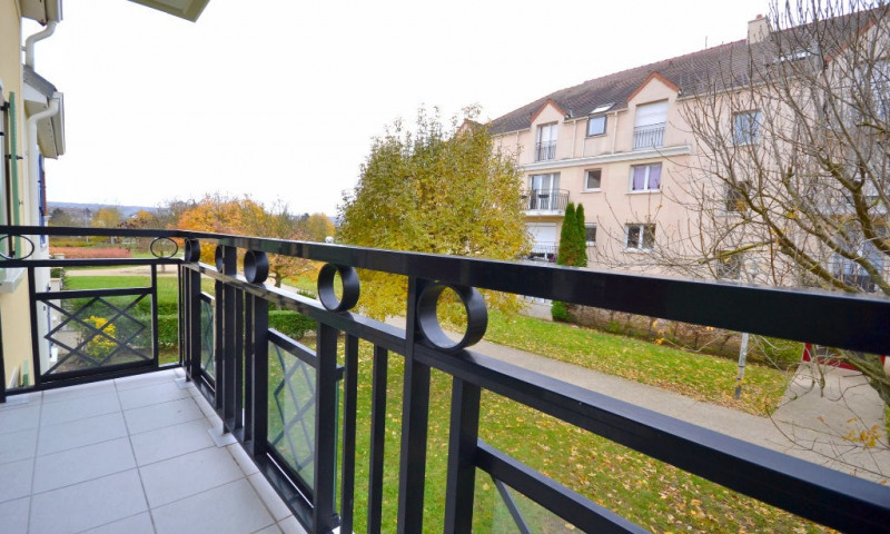 Vente appartement Villepreux 190 000€ - Photo 2