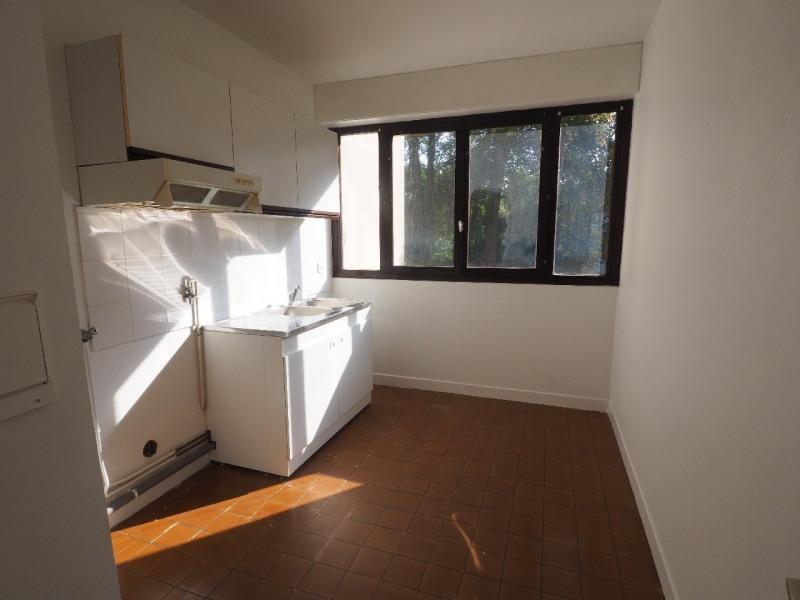 Rental apartment Vaux le penil 850€ CC - Picture 4