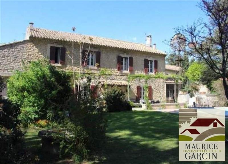 Vente de prestige maison / villa Robion 560000€ - Photo 1