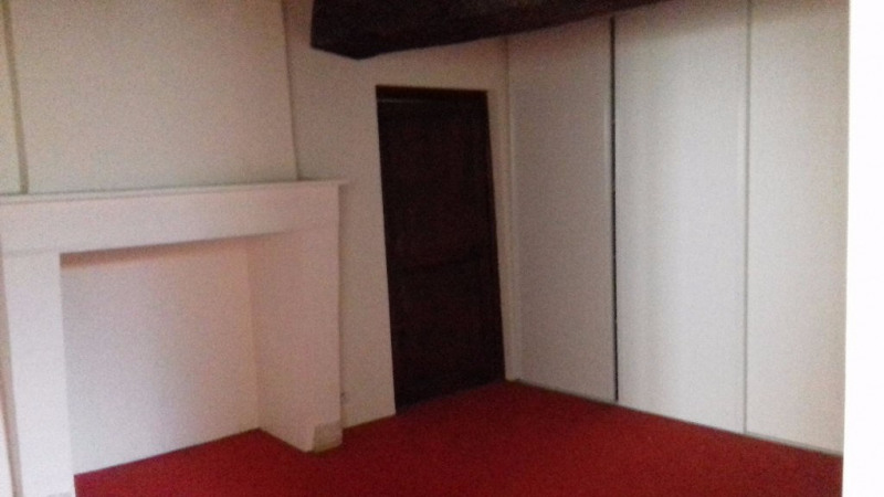 Location appartement Laval 370€ CC - Photo 3
